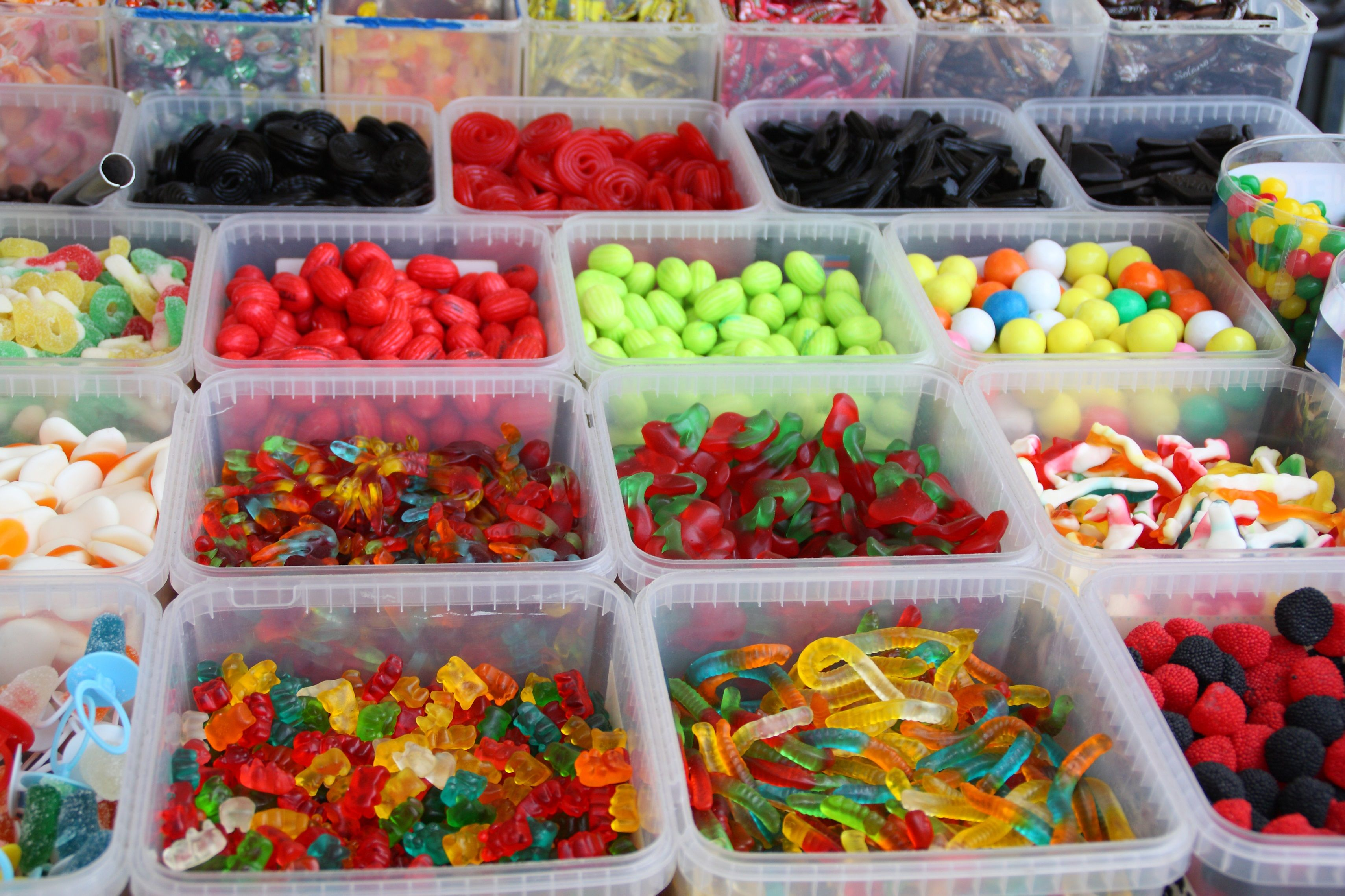 Creative Ways To Incorporate Candy into Your Summer Holidays and ...